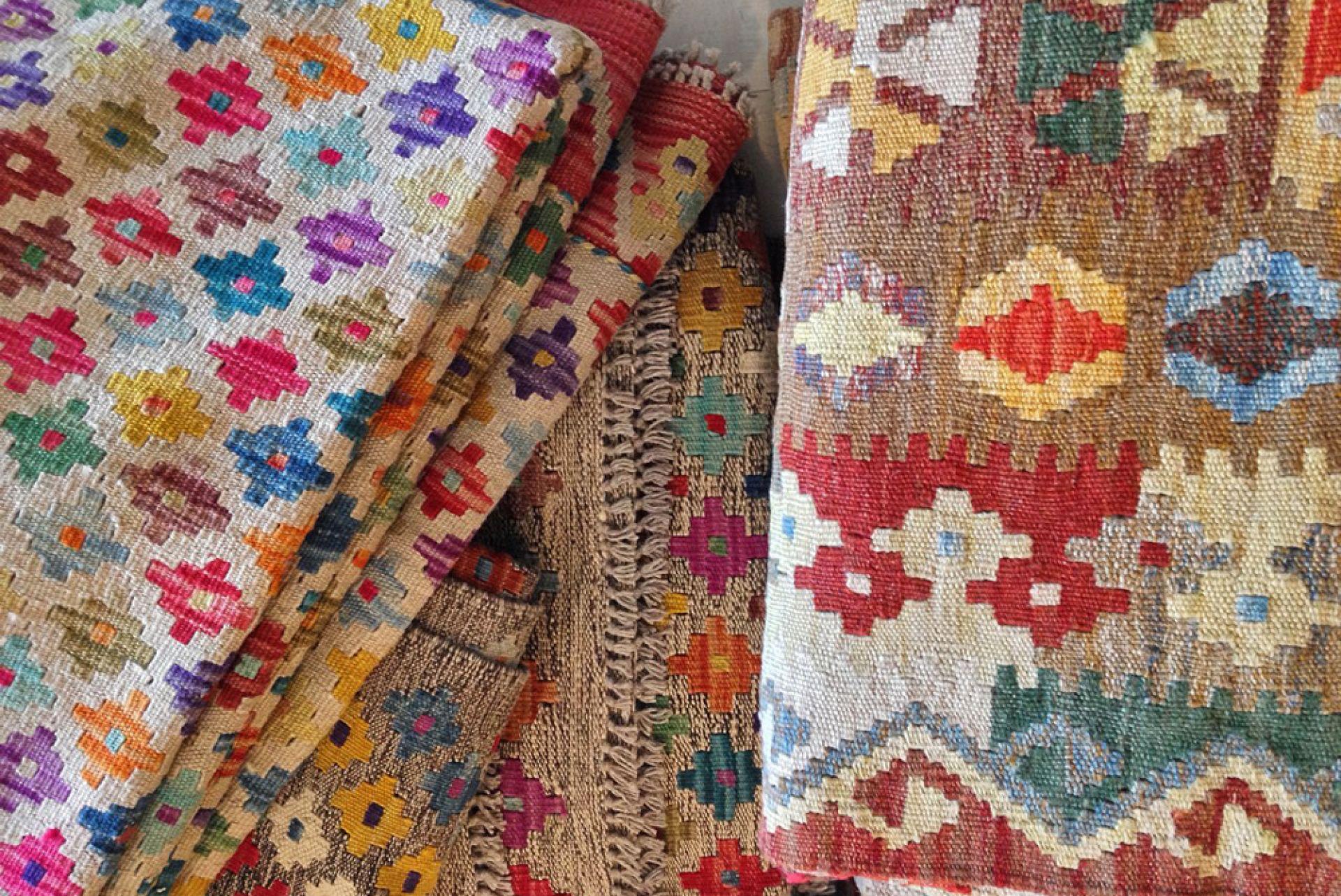 Bazhars con dise os de marca en sus alfombras for Decoracion hogar artesanal